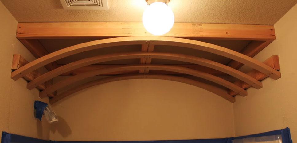 Готовый элемент арки из дерева